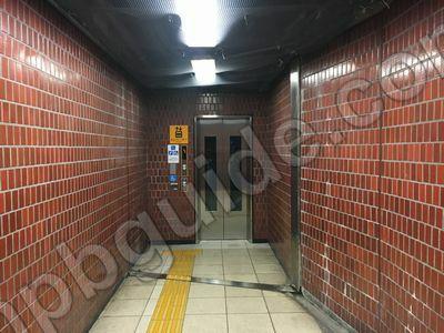 地下鉄の関内駅のエレベーター