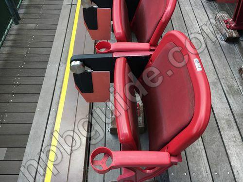 内野指定席1塁側Sの座席