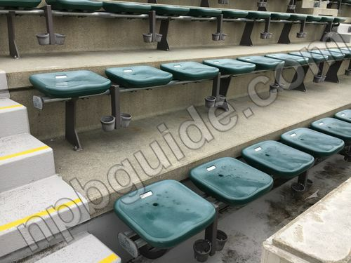 ビジターパフォーマンスの座席