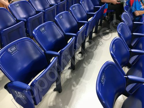 内野Sの座席