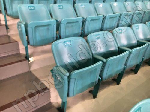 内野Bの座席