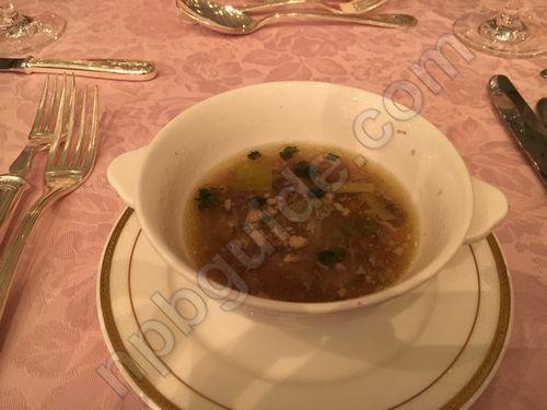 野菜入りオックステールのスープ バジル風味
