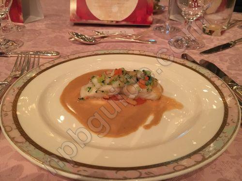 彩り野菜を着飾った真鯛 アルベールソース パプリカとトマトの煮込み添え